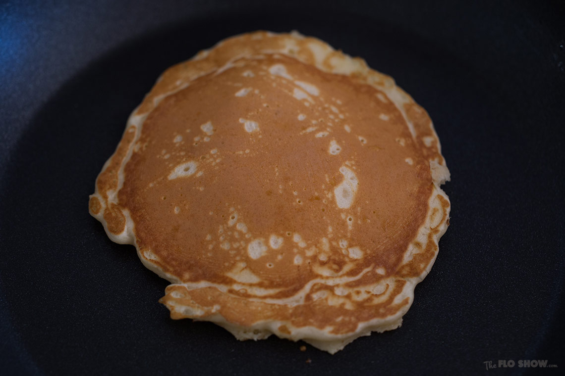 Absolutely magic white chocolate stuffed pancakes - you will never forget this taste on www.TheFloShow.com