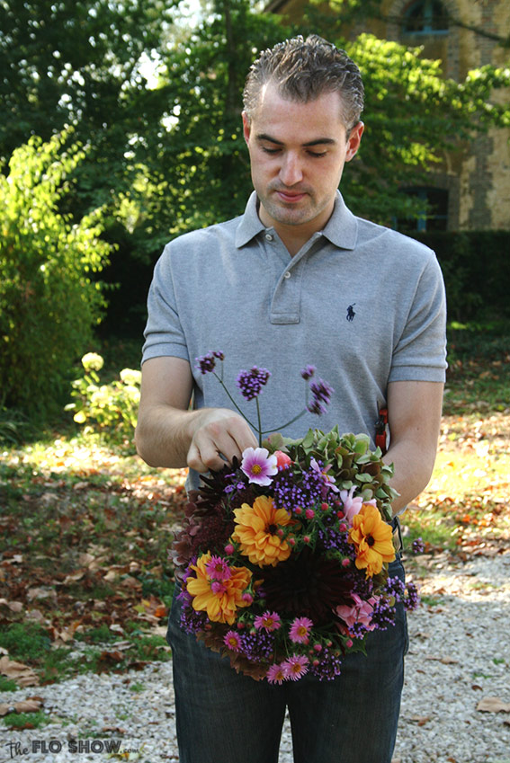 Pierre is making a bouquet - it's spring on www.TheFloShow.com