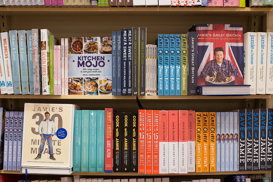 Bookstore review - Dymocks at Broadway Shopping Centre  - Jamie Oliver is there too on www.TheFloShow.com