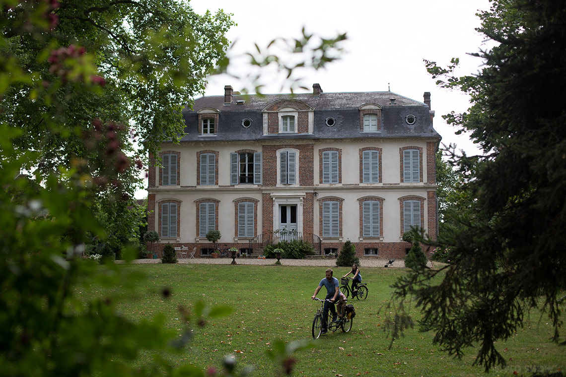 Home in Burgundy - my parents' home - The ideal bikeride area www.TheFloShow.com