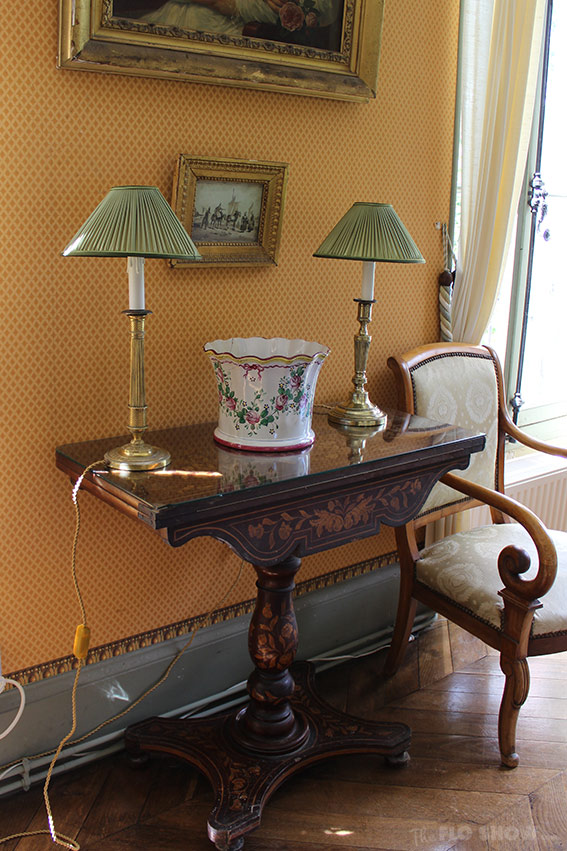 Home in Burgundy - my parents' home - my mum's little vignettes www.TheFloShow.com