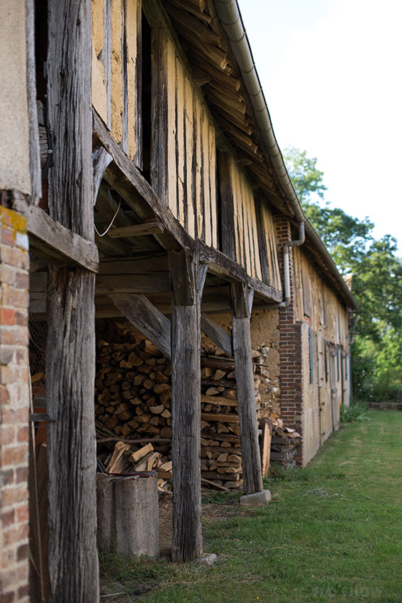 Home in Burgundy - my parent's house - Old animal farm www.TheFloShow.com