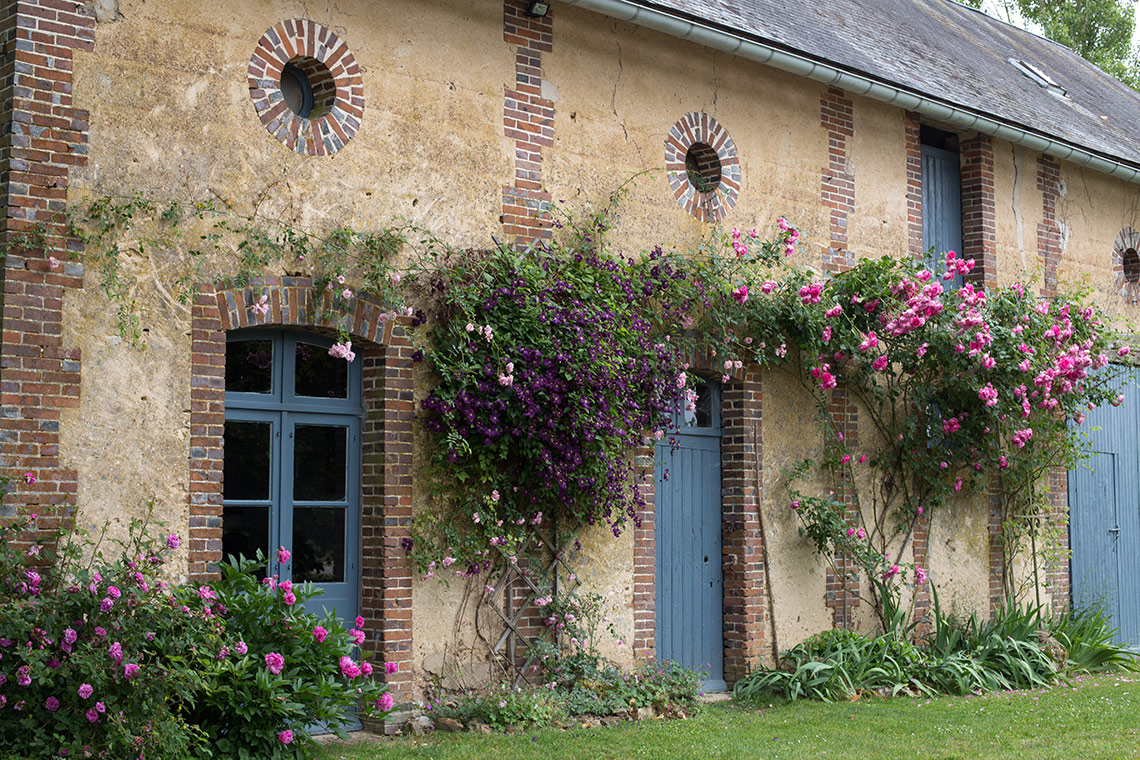 Home in Burgundy - my parent's house - The tool house and hunting lodge www.TheFloShow.com