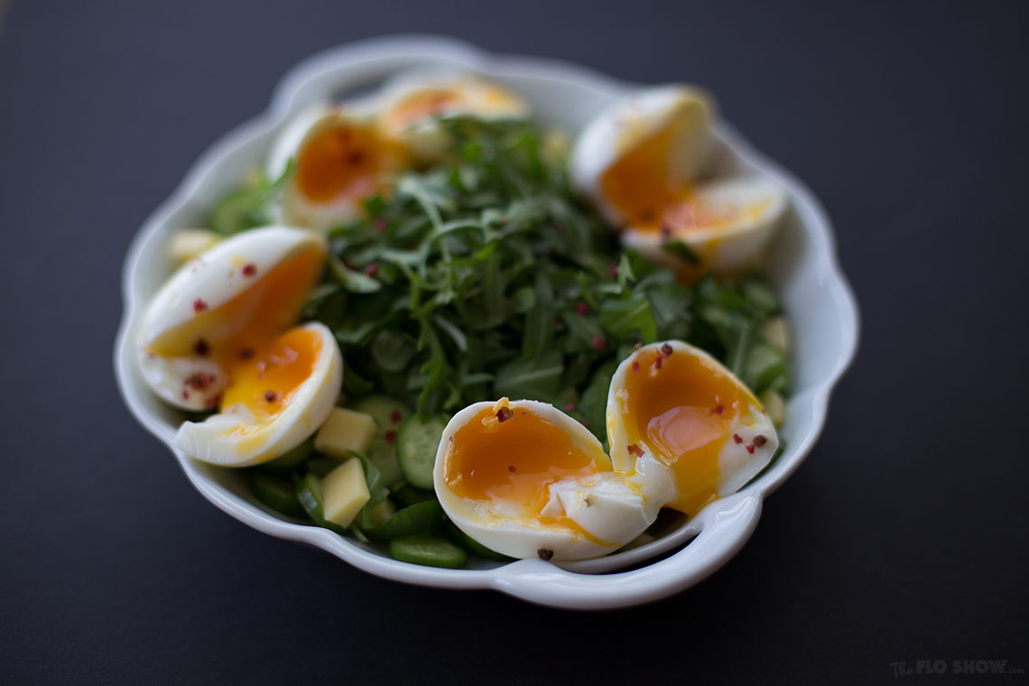 Lunch idea N3 - soft eggs cucumber salad - cook the perfect soft egg easily - on www.TheFloShow.com