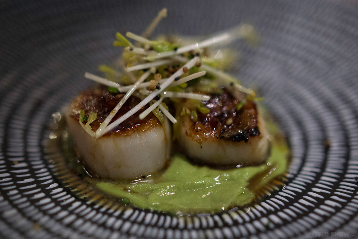 {restaurant review} Henrys in Cronulla - Seared scallops on www.TheFloShow.com