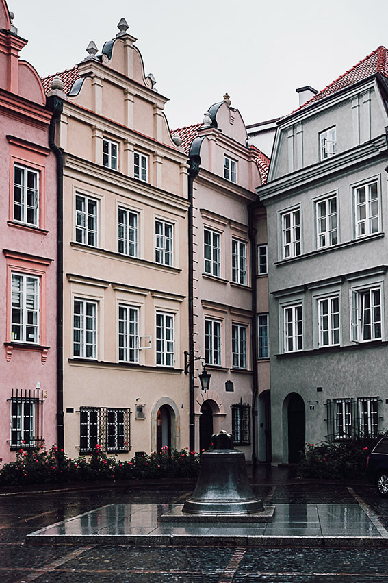 Visit Warsaw - Historical center - on the www.FloShow.com