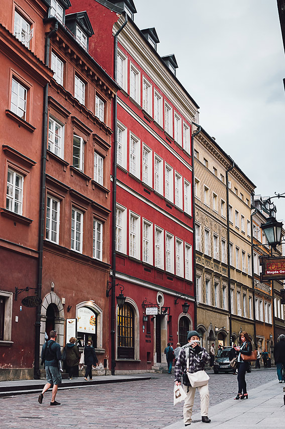 Visit Warsaw - Old Town - on the www.FloShow.com